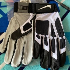 Nike Leather D-Tack IV Football Gloves
